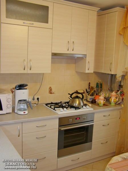 Кухня мдф в бежевом стиле выполнена